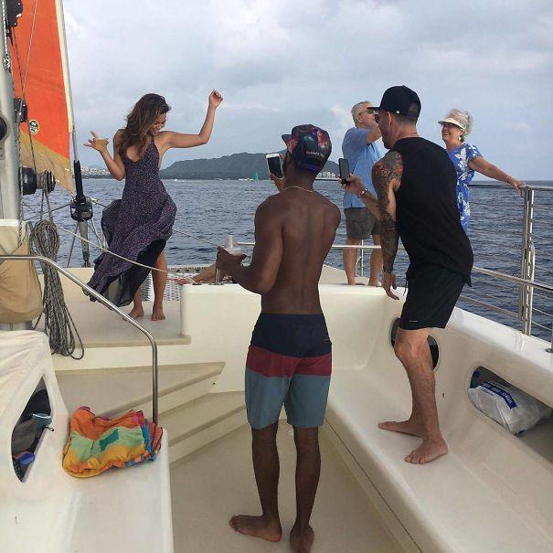 instagram boyfriend taking photo on the boat