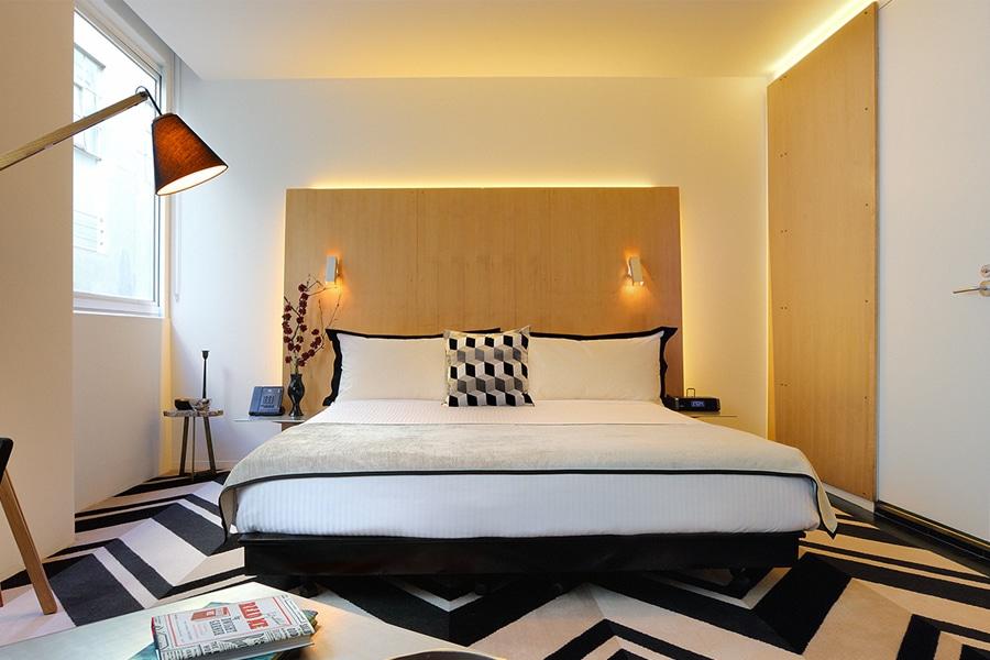 adelphi hotel room king room