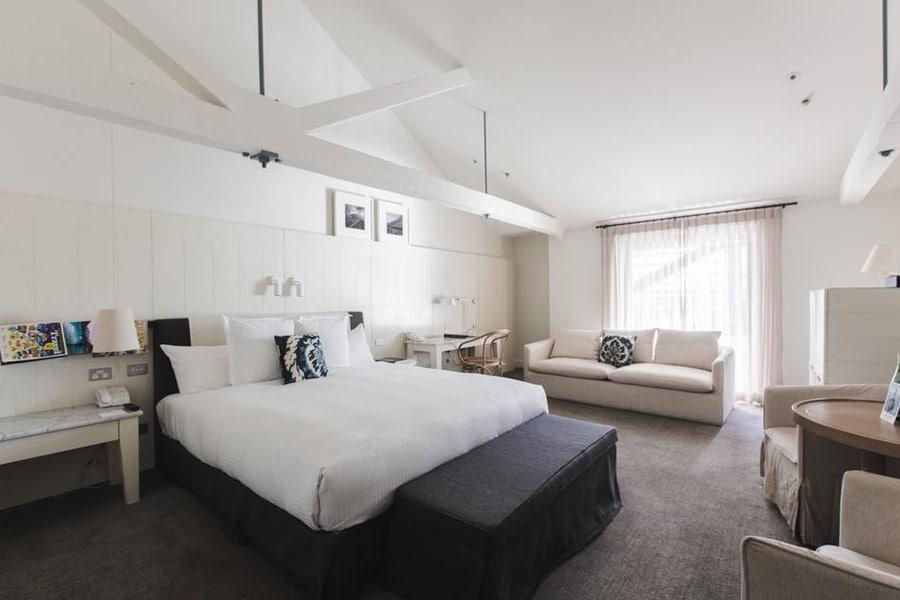 pier 1 hotel room