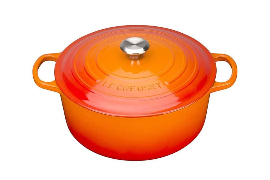 le creuset signature cast iron round casserole