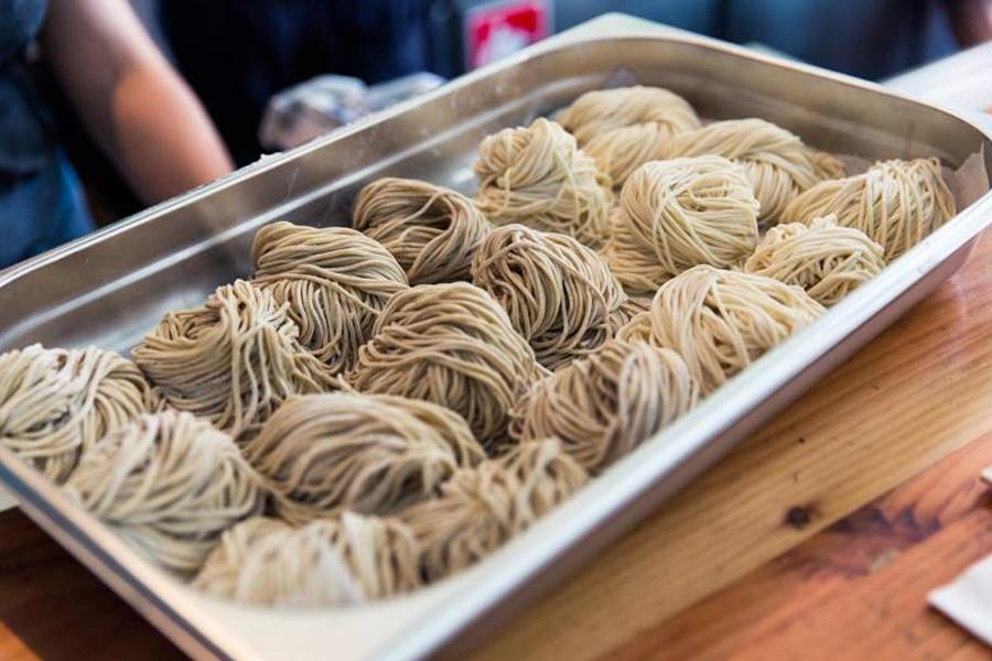 shop ramen ramen noodle rolls