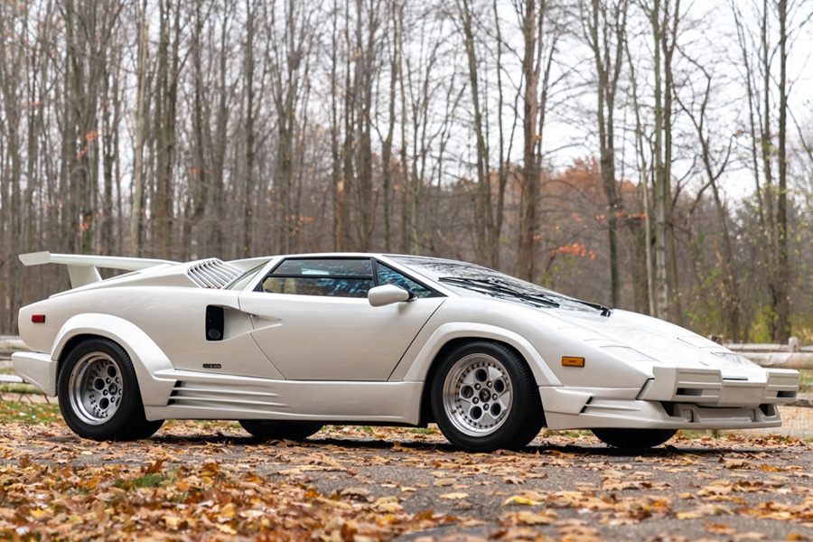 25th anniversary lamborghini countach side view