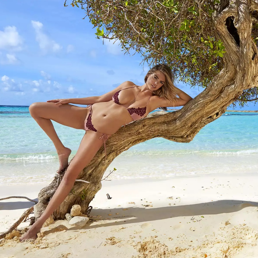 model kate upton lying on the tree