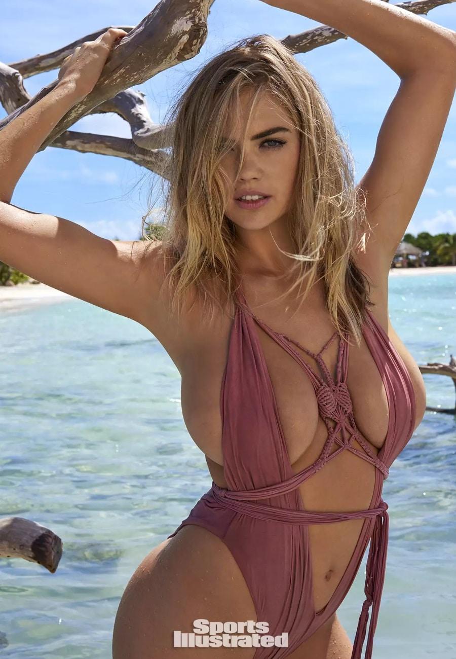 model kate upton wearing bikini