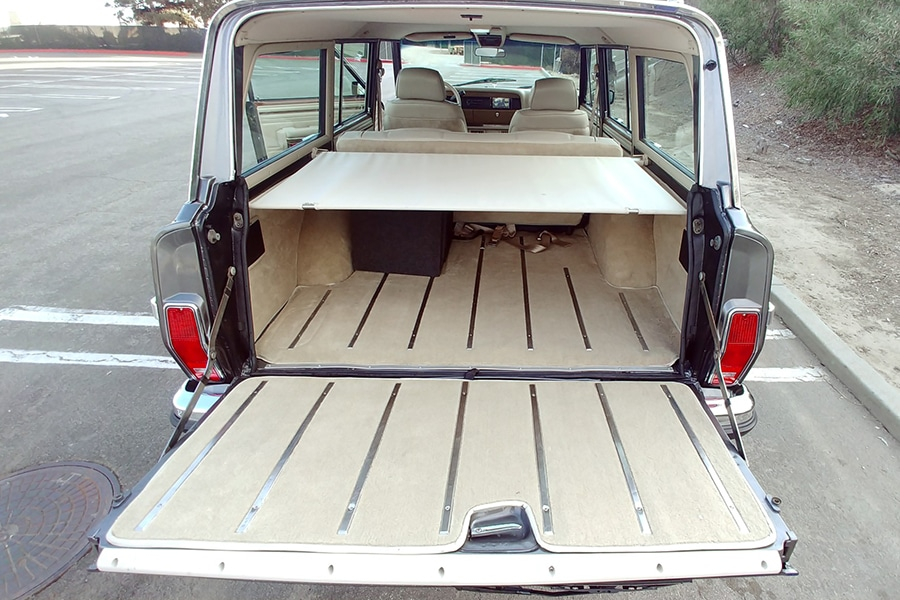 back compartment wagoneer