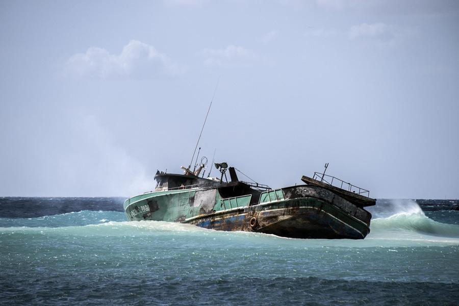 kaimana beach wreck boat