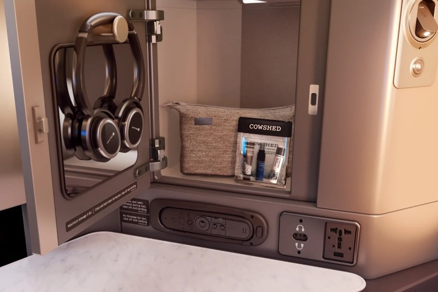 united airlines 787 dreamliner polaris business class amenities