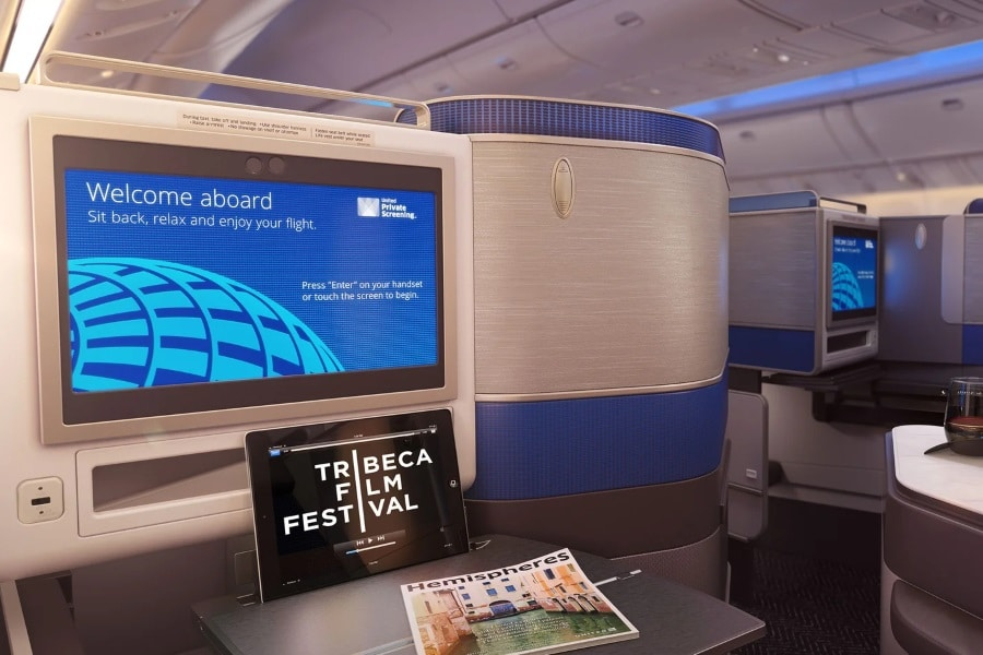 united airlines 787 dreamliner polaris business class entertainment