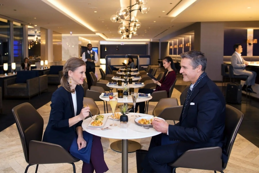 united polaris business class lounge