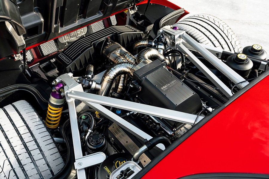engine view ford gt
