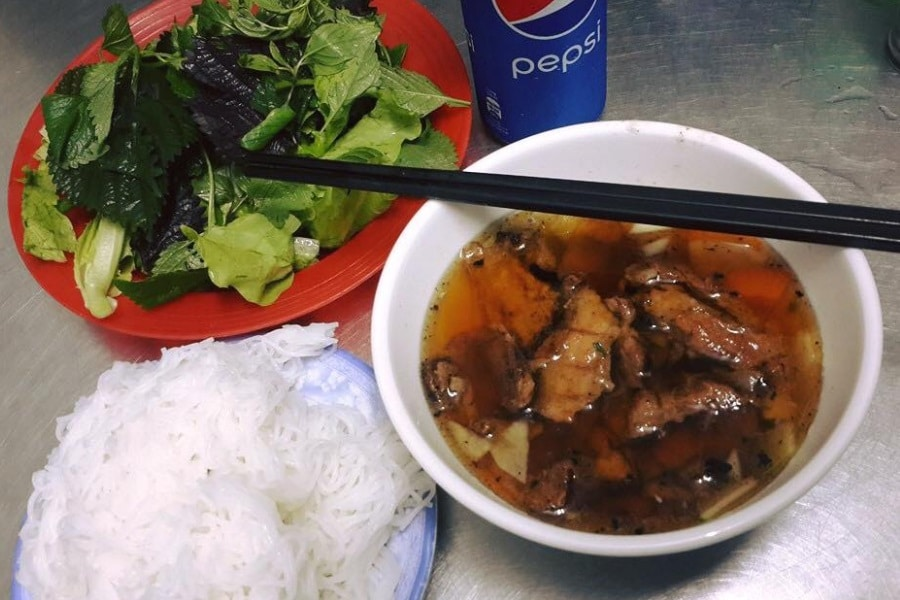 bun cha restaurant vietnam