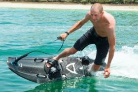 mako slingshot leaves rival jet boards
