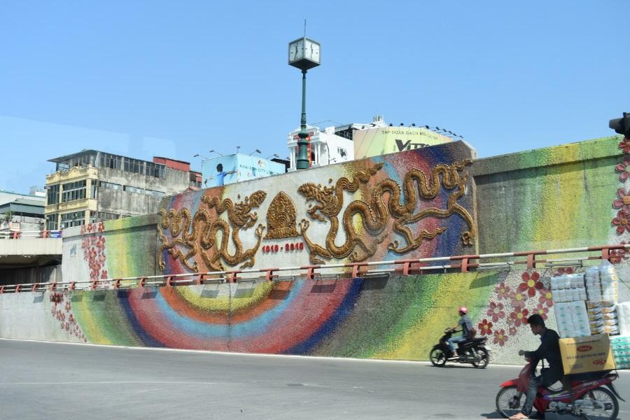 hanoi street mural