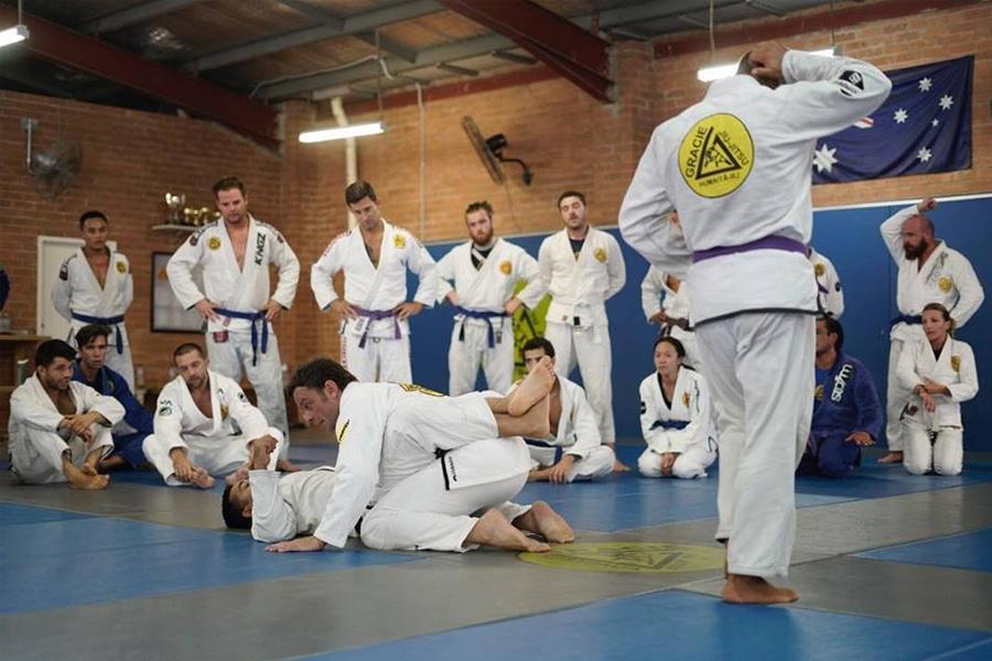 people training in Gracie Jiu Jitsu studio