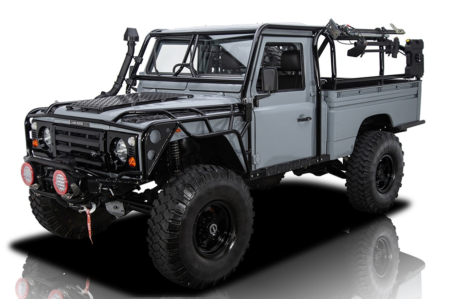 side view Land Rover Defender