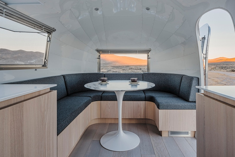 mobile office lounge area