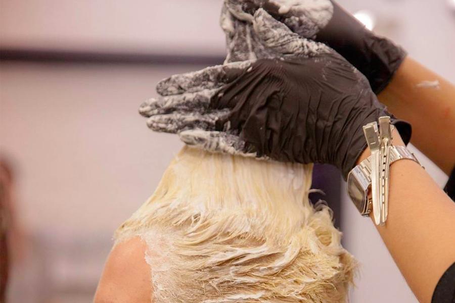 Hand bleaching hair