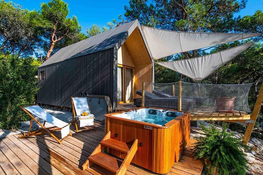 Lushna Villa cabin