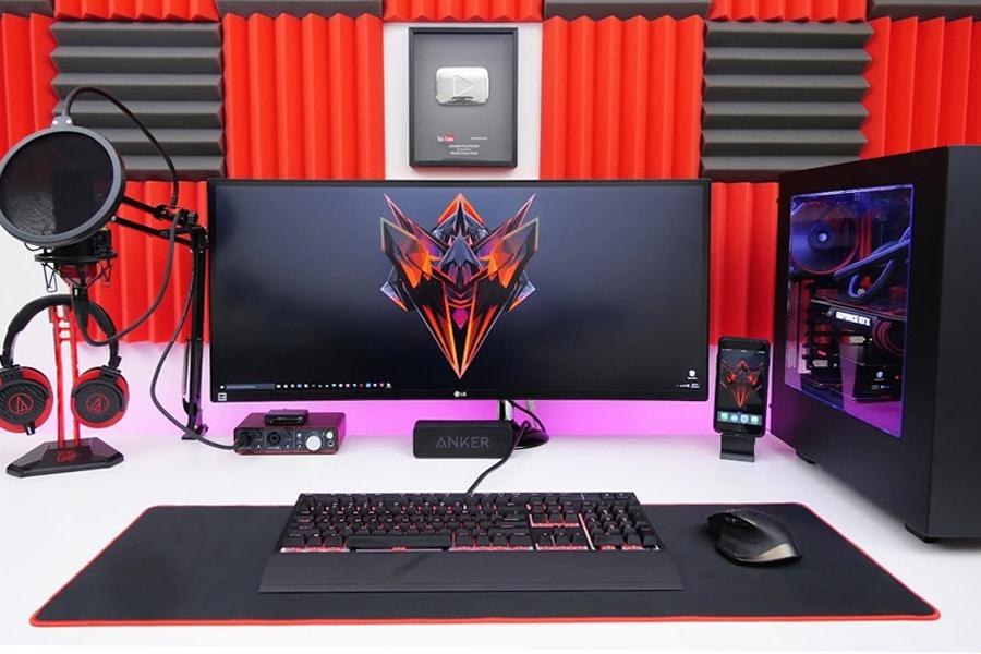 TechSource's Desk Setup & Gear