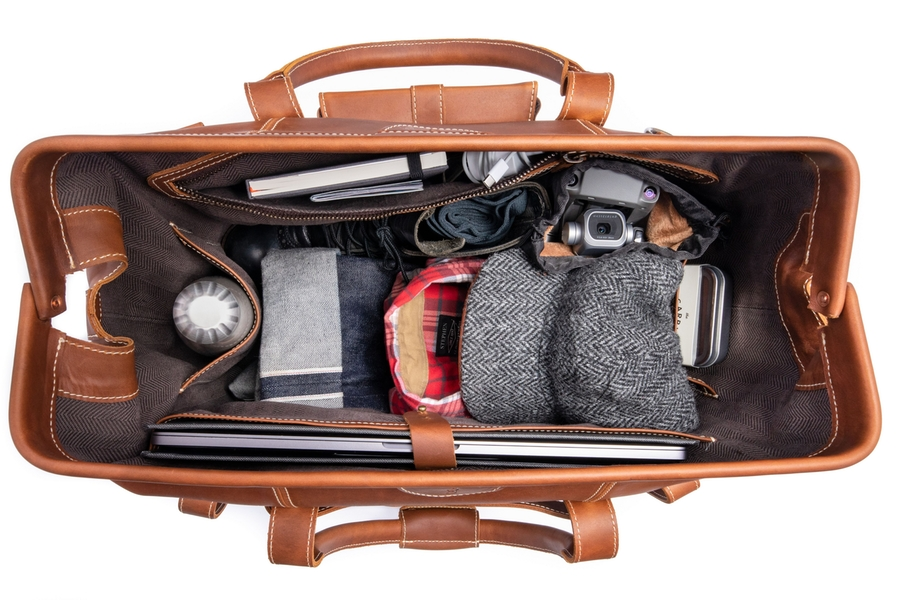 Pad & Quill Gladstone Duffle Bag open