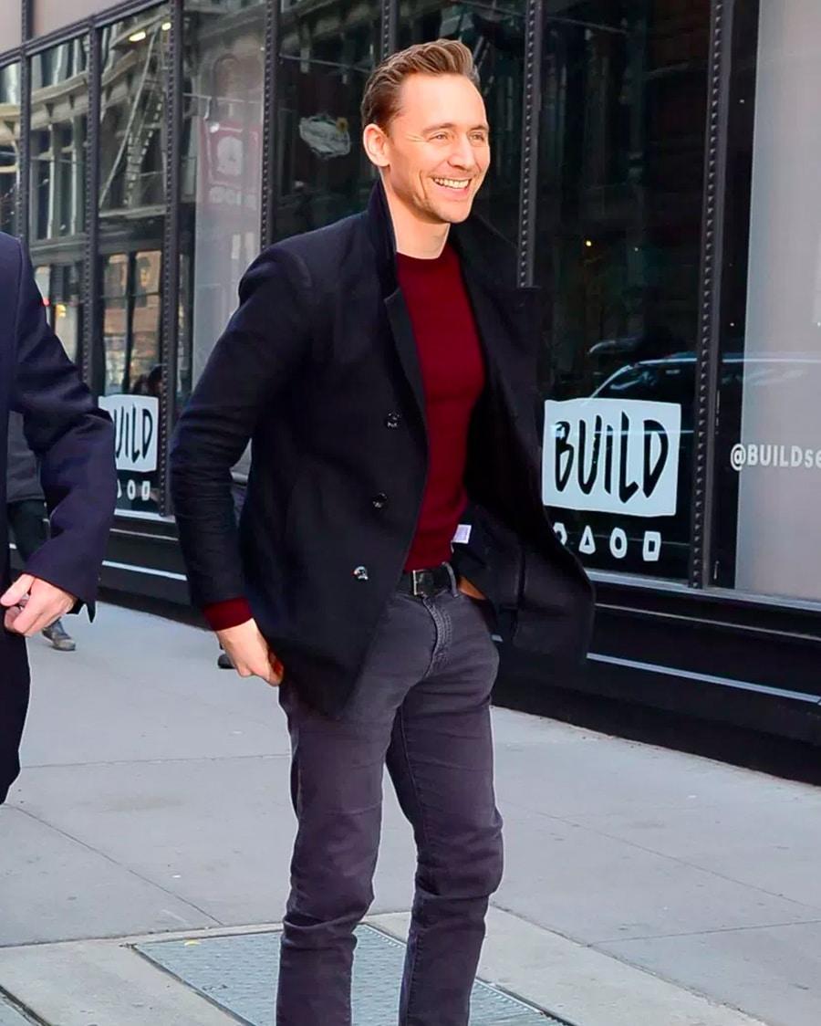 Tom hiddleston in Statement Knitwear