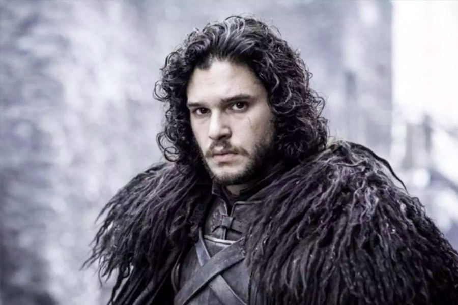 Kit Harrington curly hairstyle