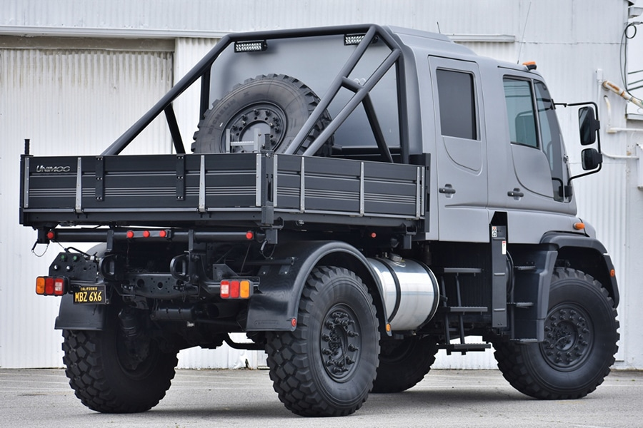 unimog back view of mercedes-benz