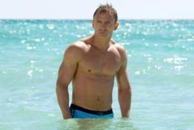 Daniel Craig Shirtless at Beach