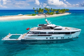 Side ofDynamic Global 330 Yacht from above