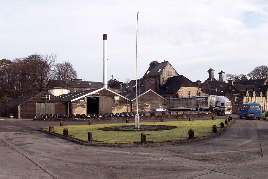 Highlands Dalmore scot whisky distillery