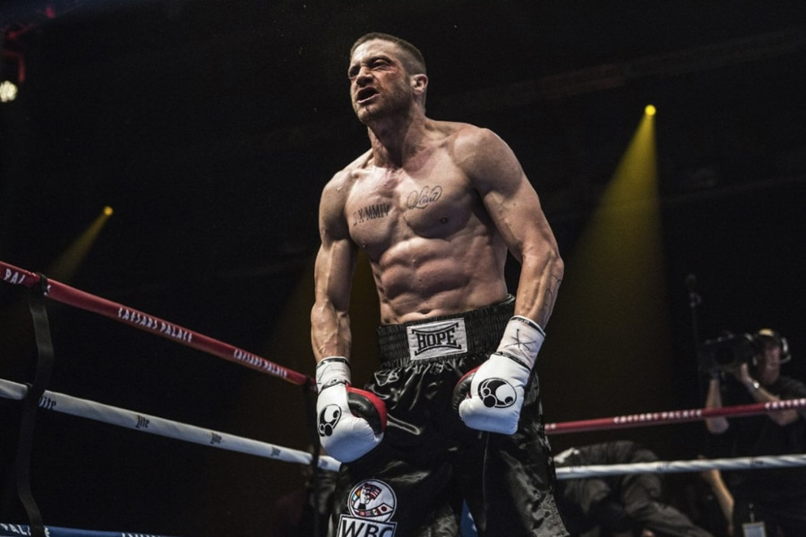 Gyllenhaal as Southpaw in boxing Ring