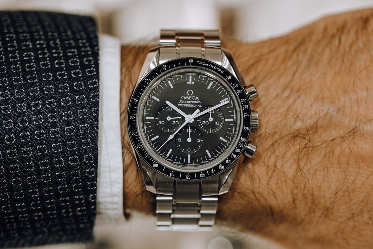 Omega Speedmaster Moonwatch Metal on wrist