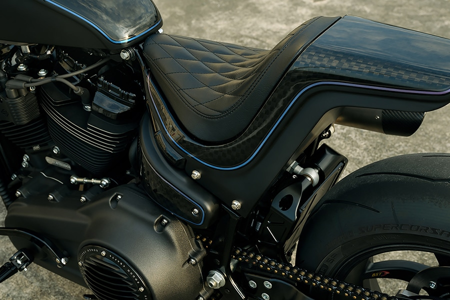 rough crafts tarmac raven leather seat