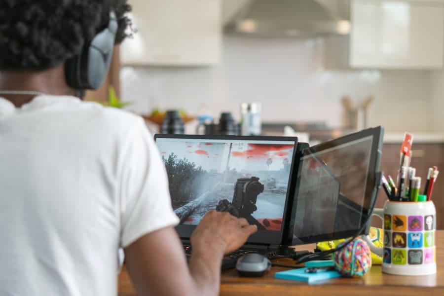 dual screen gaming laptop