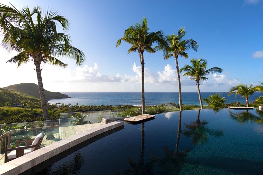The Vines Resort and Spa infiniti pool overlooking ocean