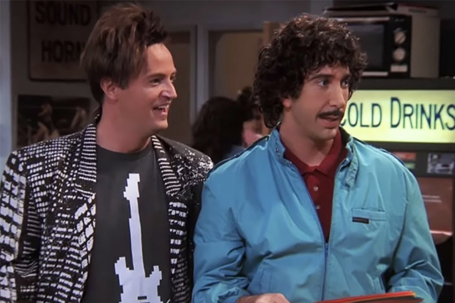 Chandler and Ross friends in 80s costume