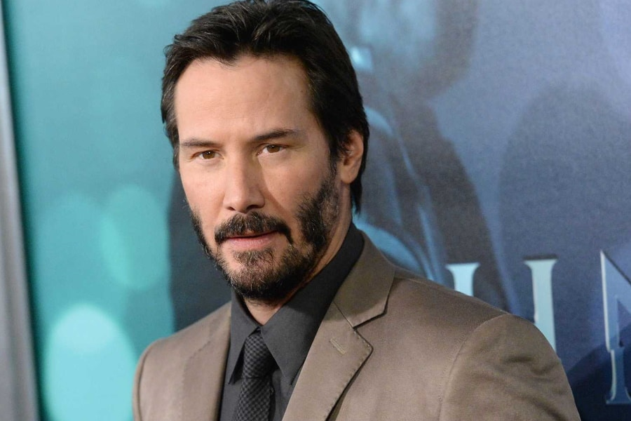 Keanu Reeves Demonstrates How to Be Popular as an Introvert