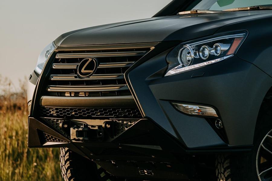 lexus front vehicle