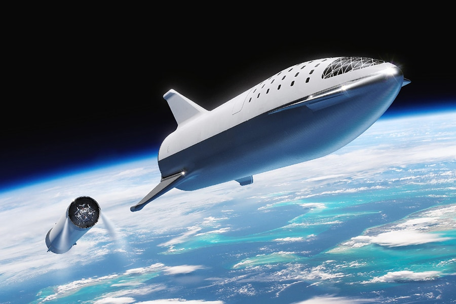SpaceX Aims at Mars Passenger Flights in 2024