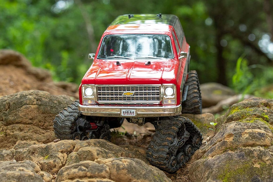 traxxas on rock terrain