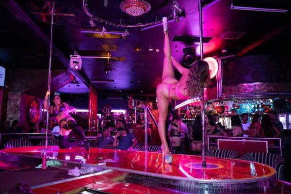 Strip club van nuys sepulveda