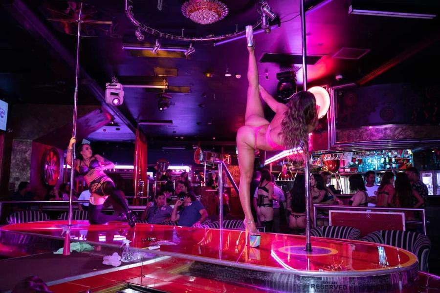 Find a strip club in portland