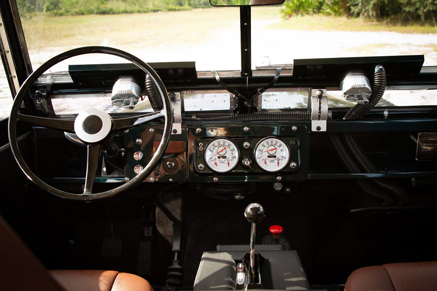 ecd land rover steering wheel and dashboard