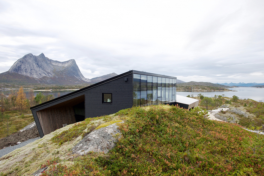 Efjord House sorrounded by nature
