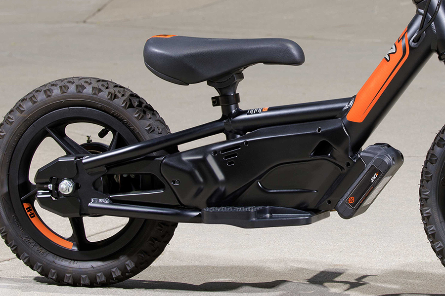 Electric Harley Davidson bikes fits for ages seven below kids
