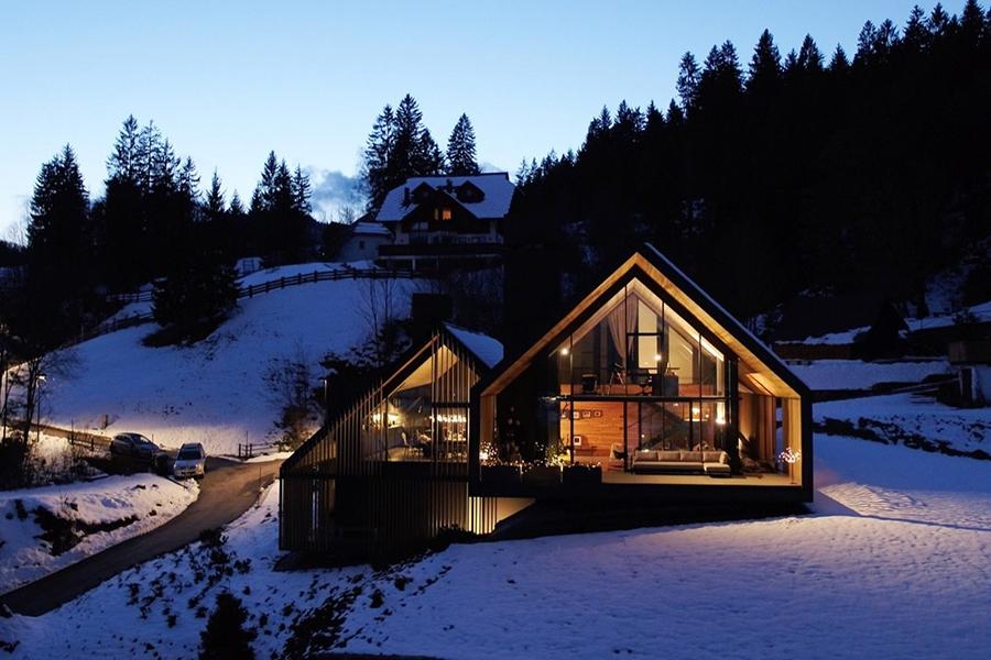 Italian Alpine Home by GEZA