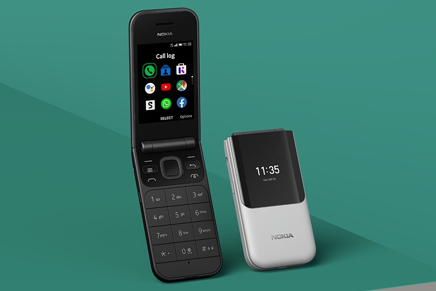 The Nokia 2720 Flip Phone is Back!