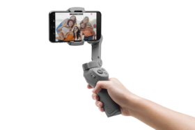 Osmo Mobile 3 with smartphone having selfie