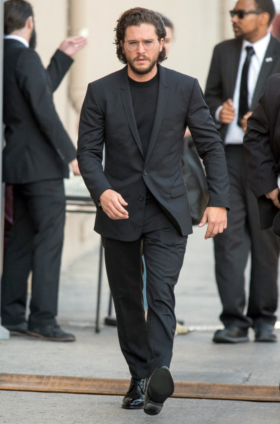 kit harington all black suit