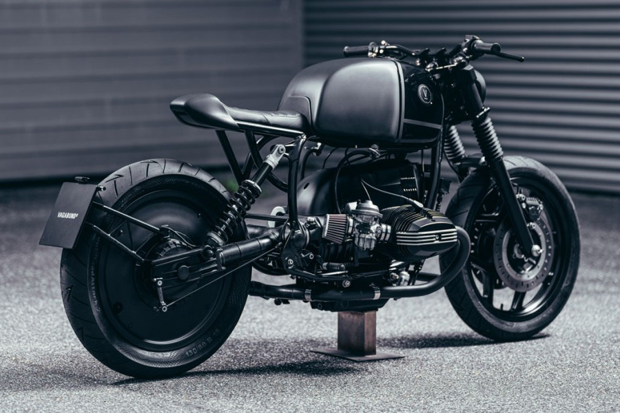 BMW R100RT back view